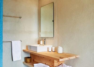 HAGA Pensiun Laresch Badezimmer